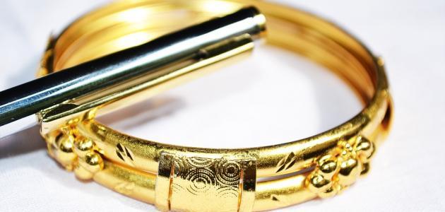 اربع طرق بسيطه ستجعل منك خبيراً باكتشاف الذهب المزور