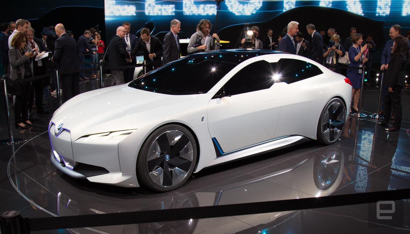 فرانكفورت 2017 بي أم دبليو تكشف عن مفهوم ديناميكي جديد للسيارات السيدان BMW iVision Dynamics