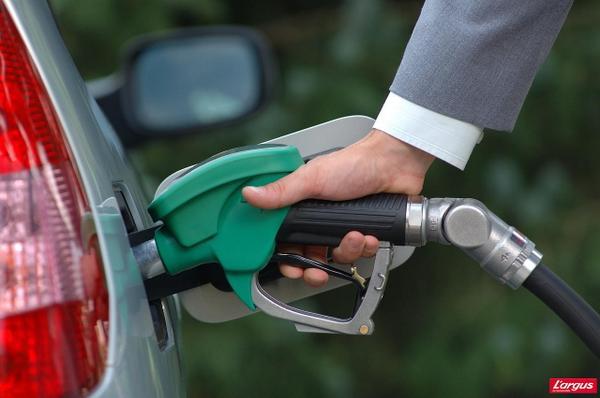 بوادر خير عن توفر مادة البنزين في سوريا