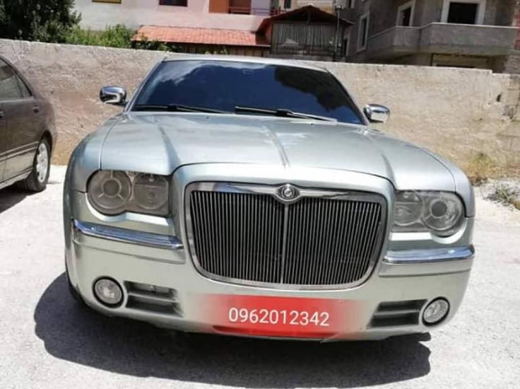 2008 كرايسلر 300 سي