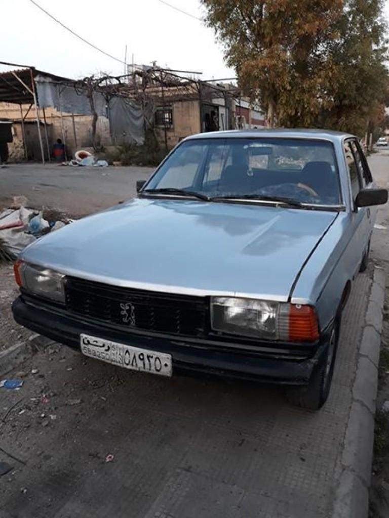 1979 بيجو 305