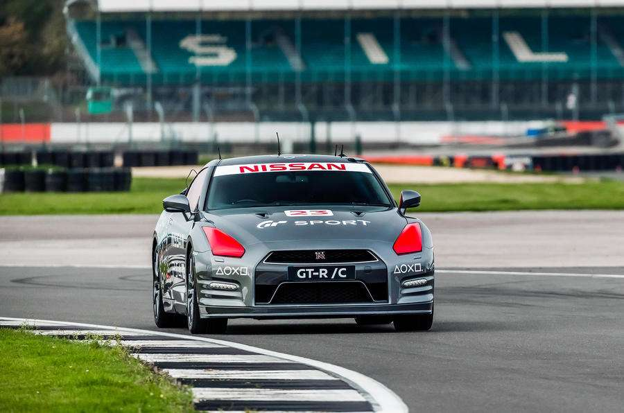 Video: Nissan's remote-controlled Gran Turismo car tested at GT Academy