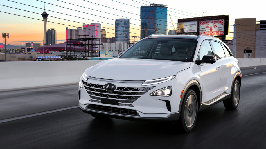Hyundai reveals the details about the 2019 Nexo Fuel Cell crossover