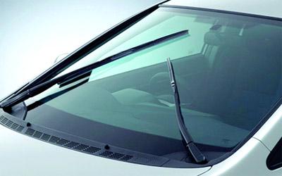 اتبع الخطوات التاليه لتحافظ على سلامة  زجاج ومساحات سيارتك لأطول مده ممكنه