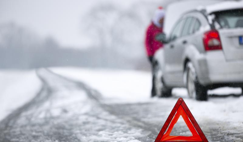 لماذا يجب ان تقوم بتسخين المحرك في فصل الشتاء قبل الانطلاق بالسياره ؟