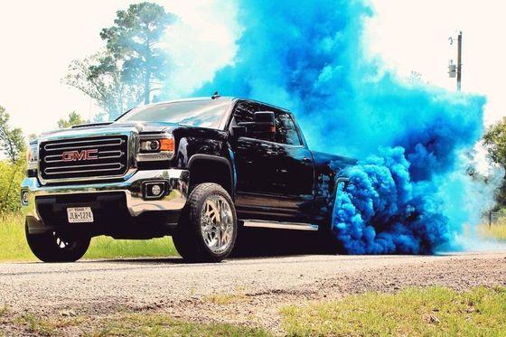 الدخان الازرق المنبعث من عادم السياره دليل لتلف احد اهم اجزاء سيارتك